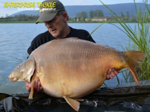 George's 75lb 12oz Euro Aqua mirror